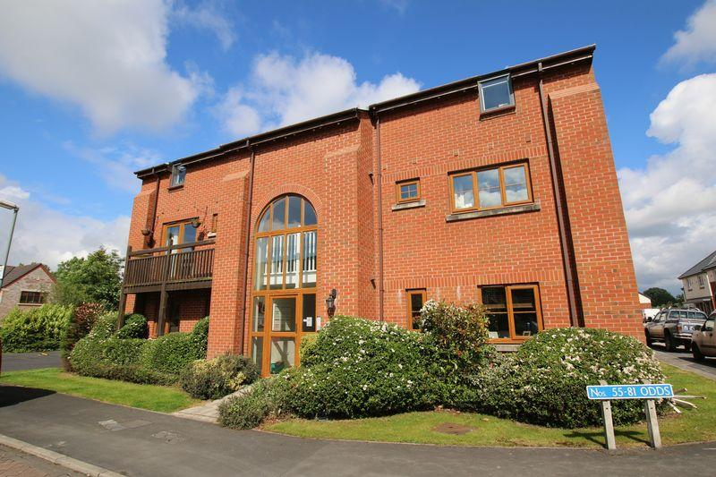 2 Bedrooms Apartment Flat for sale in Jubilee Road, Walmer Bridge