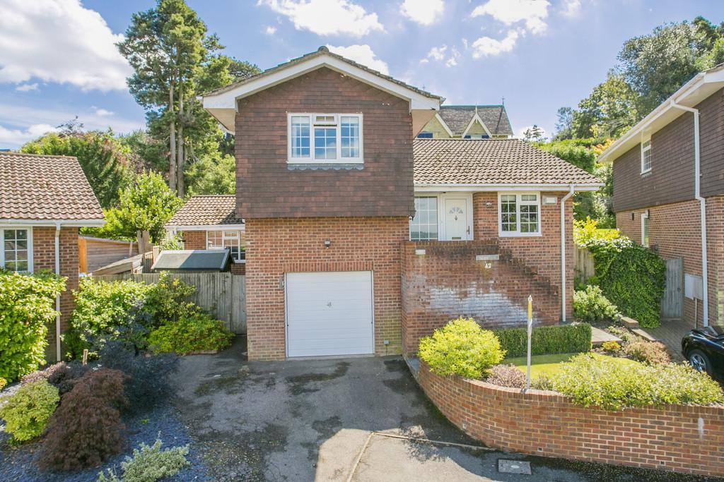 3 Bedrooms Detached House for sale in Glenmore Park, Tunbridge Wells