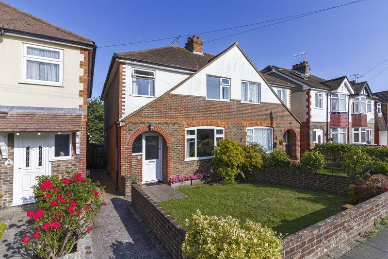 3 Bedrooms Semi Detached House for sale in Grand Avenue, Lancing