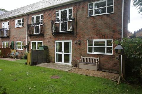 2 bedroom ground floor flat to rent - Four Marks