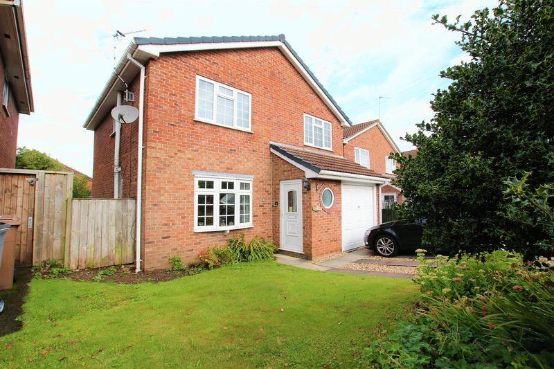 4 Bedrooms Detached House for sale in Dale View Close, Heswall