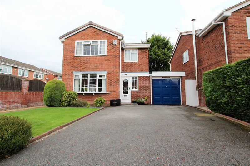 3 Bedrooms Detached House for sale in Heythrop Drive, Heswall