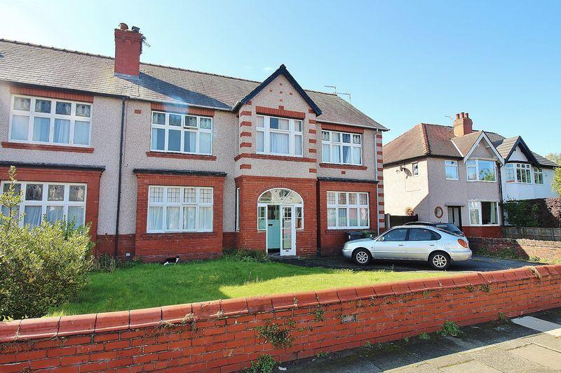 5 Bedrooms Semi Detached House for sale in Salford Road, Ainsdale