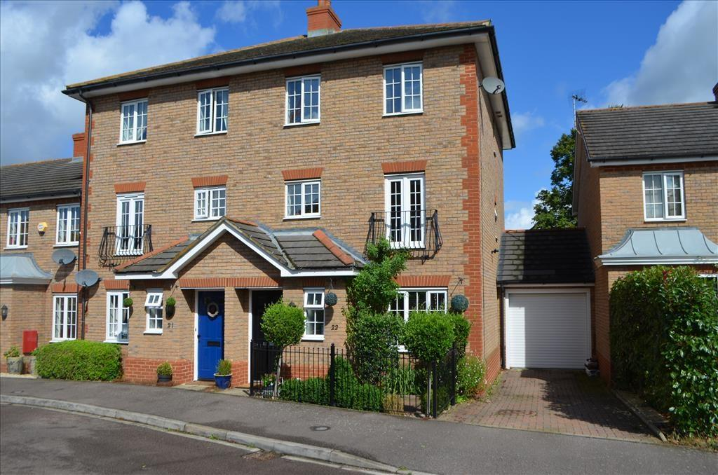 4 Bedrooms Semi Detached House for sale in Ivel Bury, Biggleswade, SG18