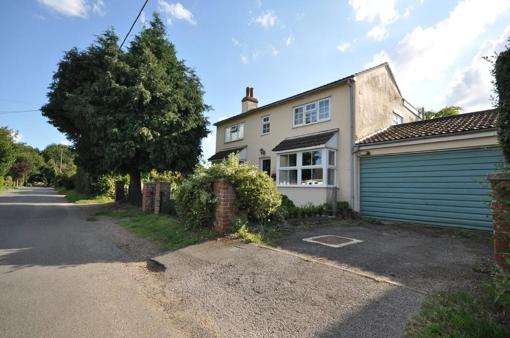 4 Bedrooms Detached House for sale in Heath Road, Stanway, Colchester, CO3 0QR