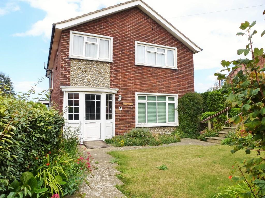 4 Bedrooms Detached House for sale in Cliff Drive, Cromer