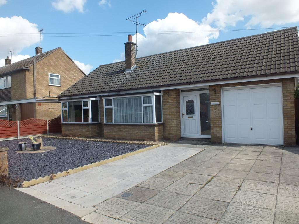 2 Bedrooms Detached Bungalow for sale in Fennell Road, Pinchbeck