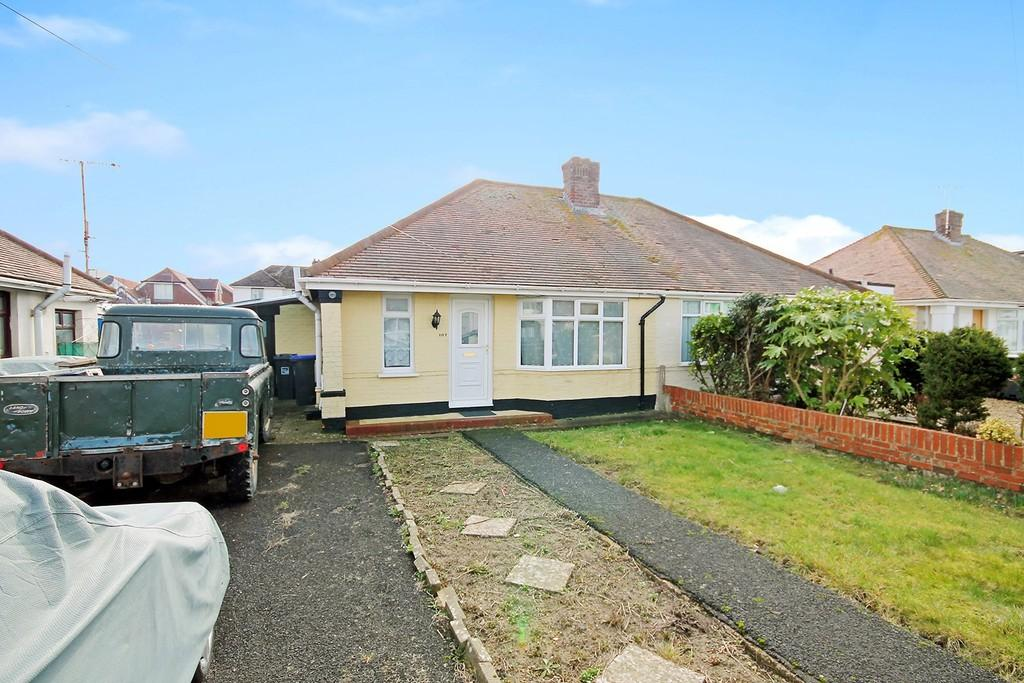 2 Bedrooms Semi Detached Bungalow for sale in West Way, Lancing, BN15 8NA
