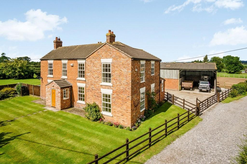 4 Bedrooms Farm House Character Property for sale in Church Lane, Hargrave