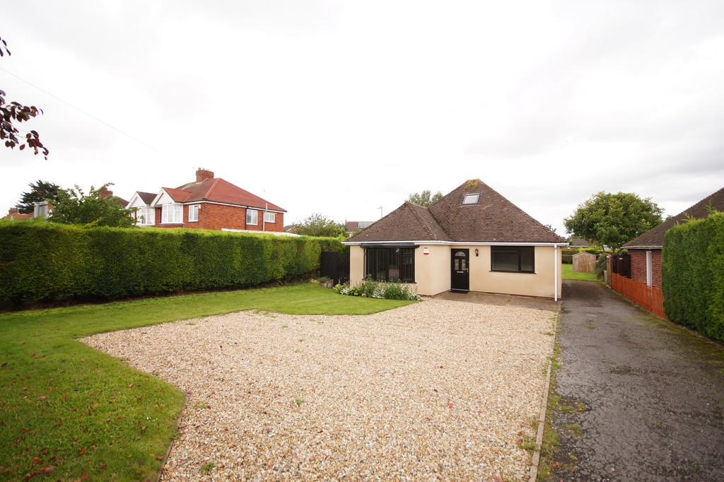 3 Bedrooms Detached House for sale in Lincoln Road, Nettleham, Lincoln