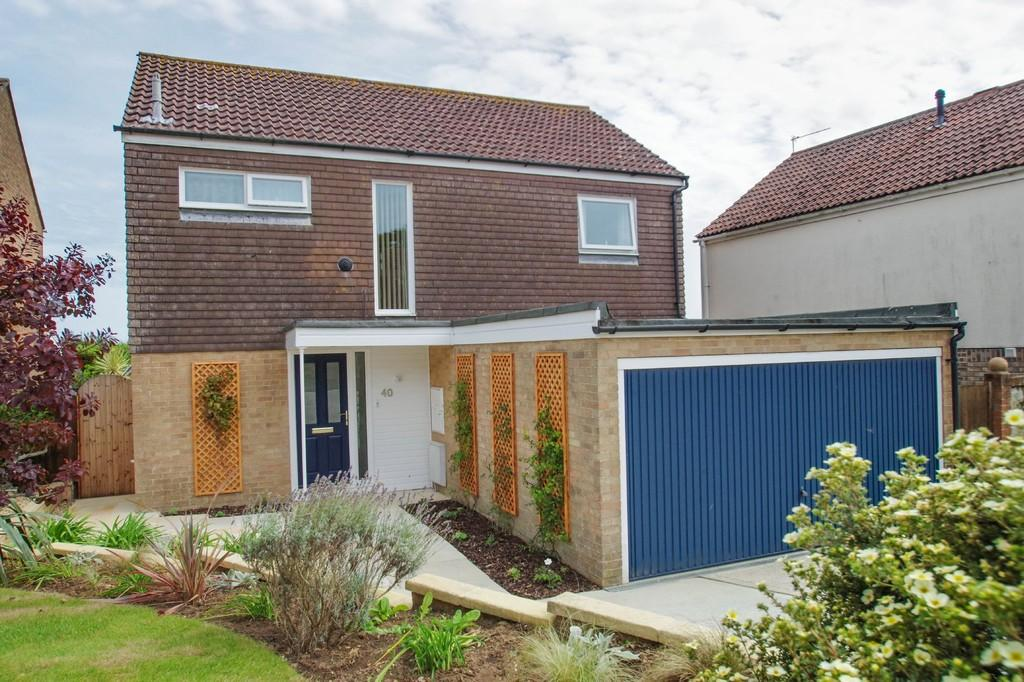4 Bedrooms Detached House for sale in Forest Way , Winford, Near Sandown