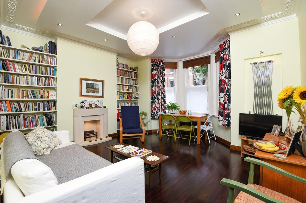 2 Bedrooms Apartment Flat for sale in Cranworth Gardens, SW9