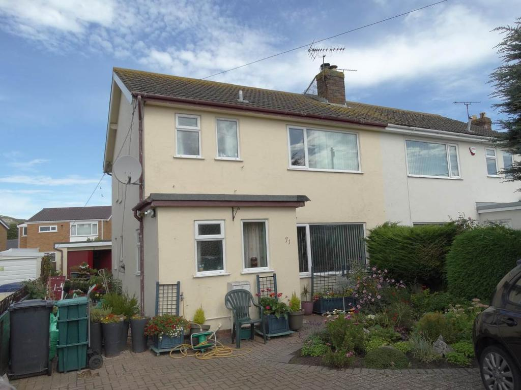 3 Bedrooms Semi Detached House for sale in 71 Glan Y Mor Road, Penrhyn Bay, LL30 3PF