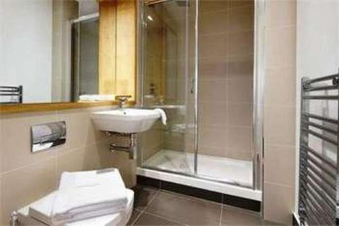 2 bedroom flat to rent - Capital Towers, London E15
