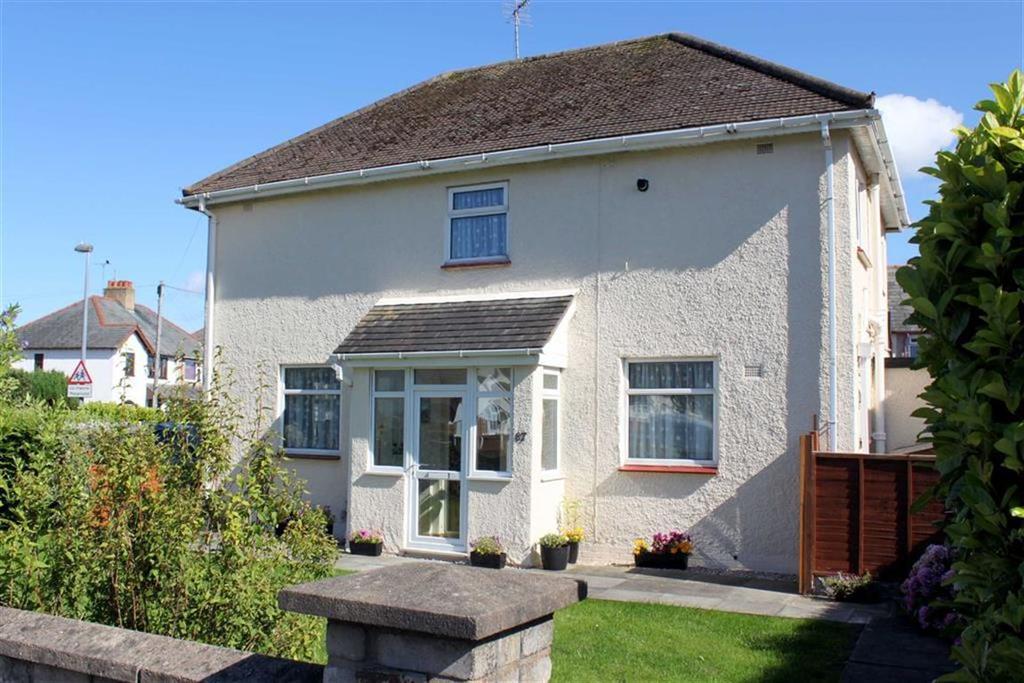 3 Bedrooms Semi Detached House for sale in Trinity Avenue, Llandudno, Conwy