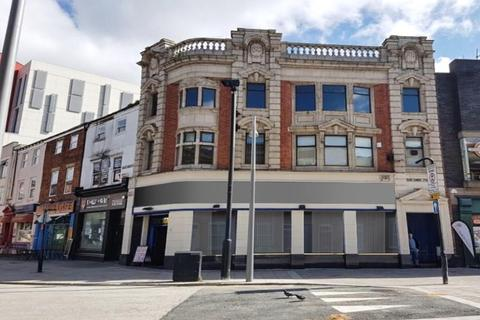 Shop to rent - 70 King Edward Street, Hull, East Yorkshire