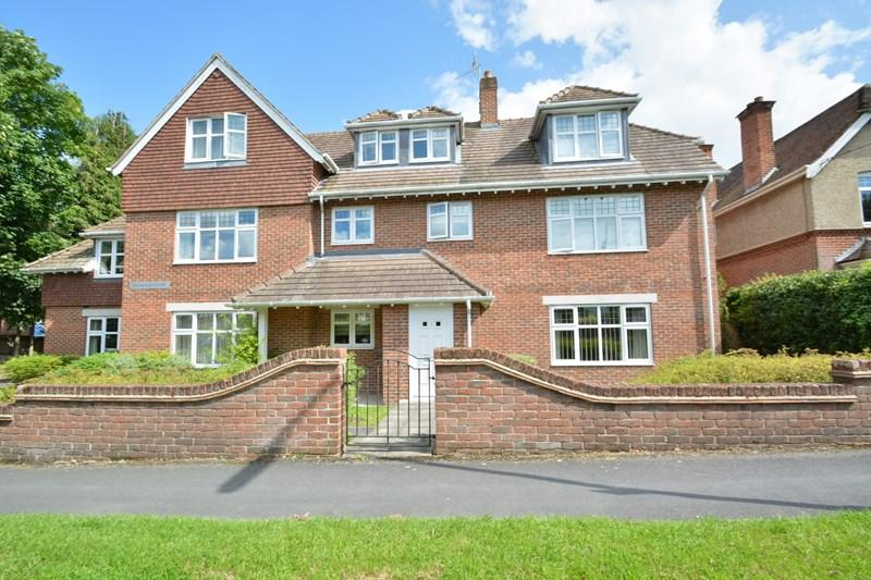 2 Bedrooms Apartment Flat for sale in The Avenue, Andover