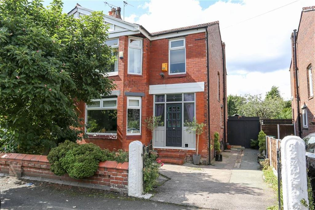 3 Bedrooms Semi Detached House for sale in Ashwood Avenue, Didsbury, Manchester