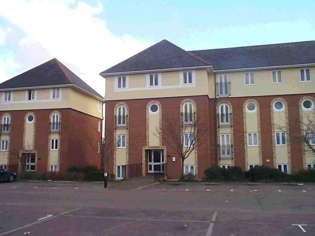 Studio Flat for sale in Walsingham Close, Hatfield, AL10