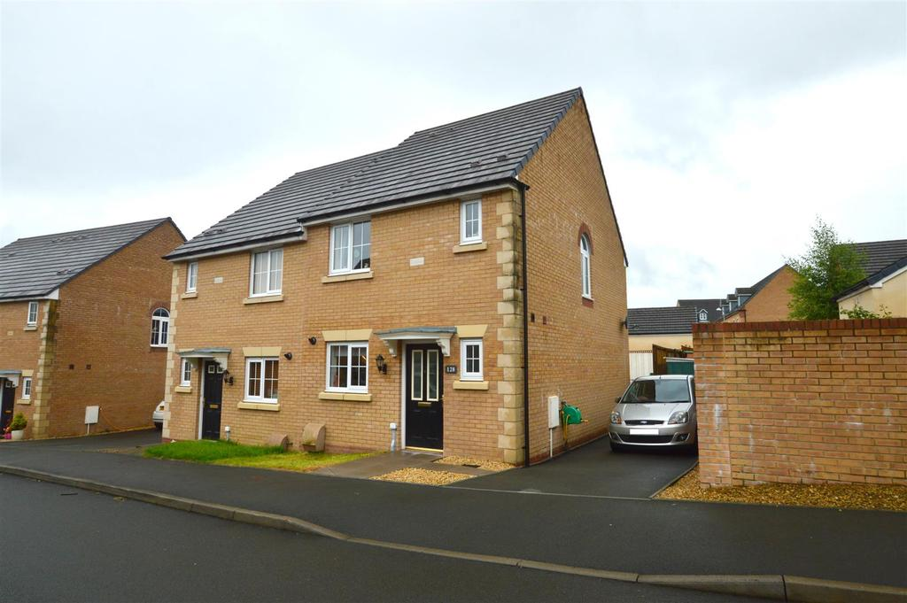 3 Bedrooms End Of Terrace House for sale in Betws