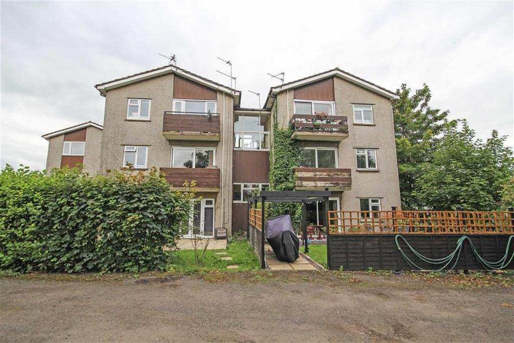 2 Bedrooms Flat for sale in Brookside Court, Whitchurch, Cardiff