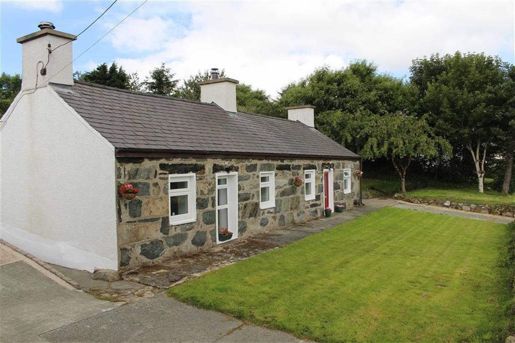 3 Bedrooms Detached House for sale in Cefnan, Mynydd Llandygai, Gwynedd