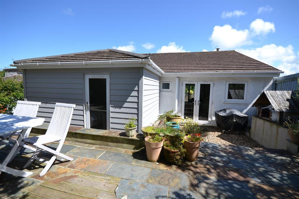 3 Bedrooms Detached Bungalow for sale in St Dogmaels