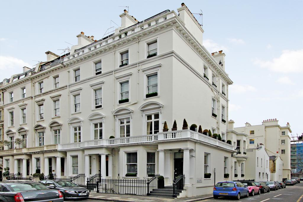8 Bedrooms End Of Terrace House for sale in Queensberry Place, South Kensington, London SW7