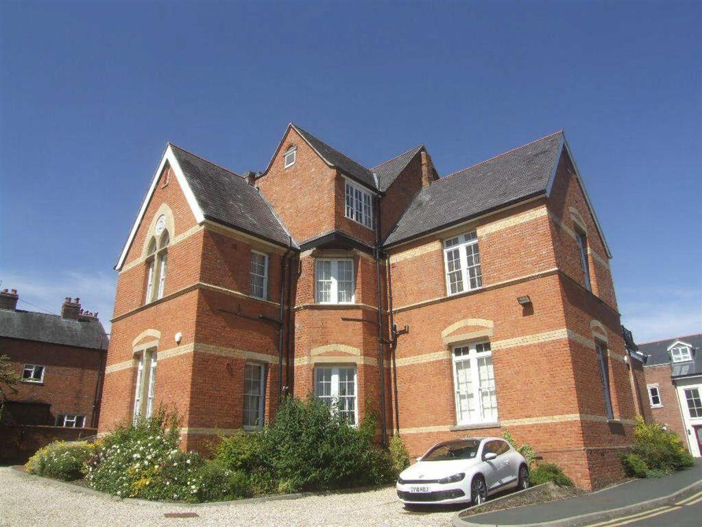 1 Bedroom Apartment Flat for sale in Holbache House, Welsh Walls, Oswestry
