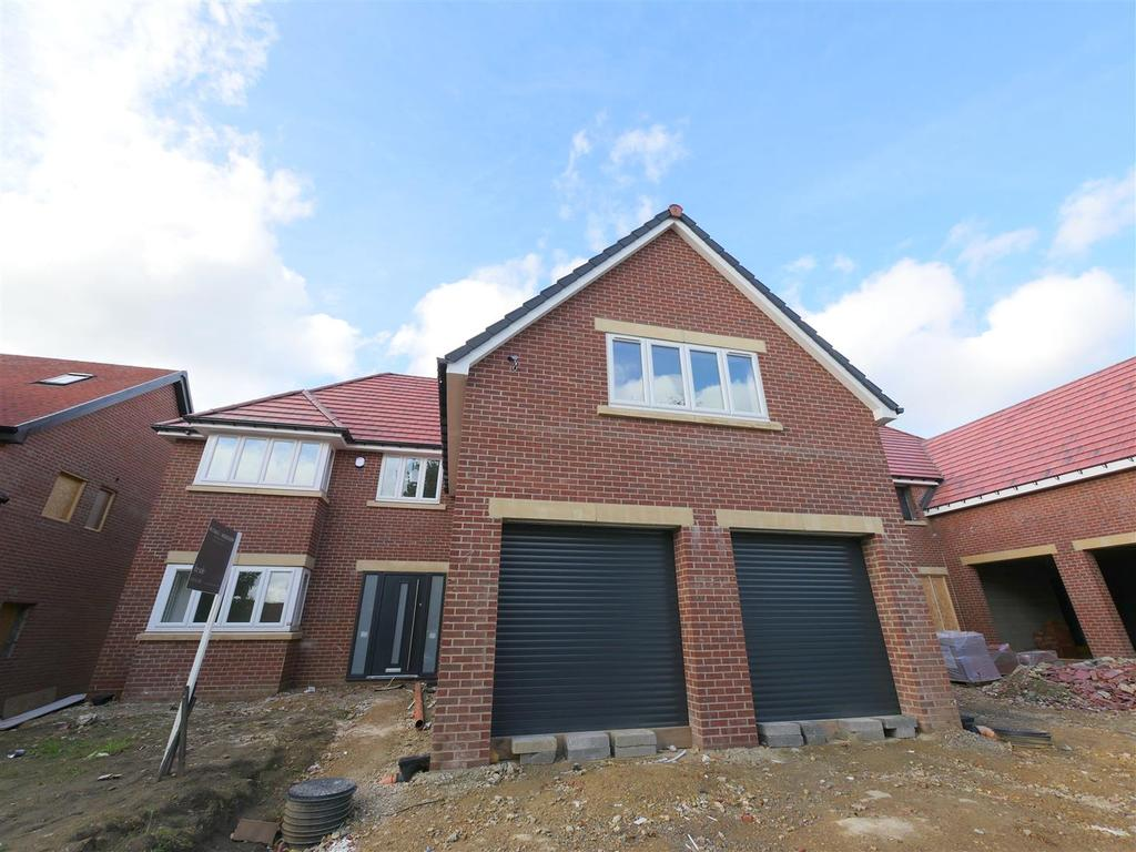 4 Bedrooms Detached House for sale in St. Chads Crescent, Middle Herrington, Sunderland