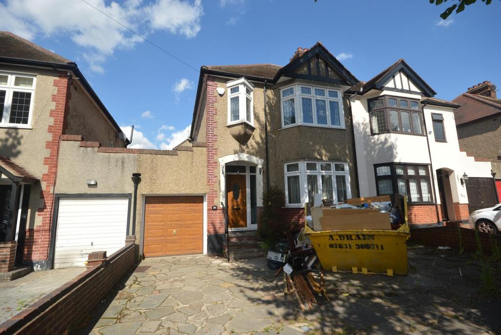 4 Bedrooms Semi Detached House for sale in Osborne Road, Hornchurch, Essex, RM11