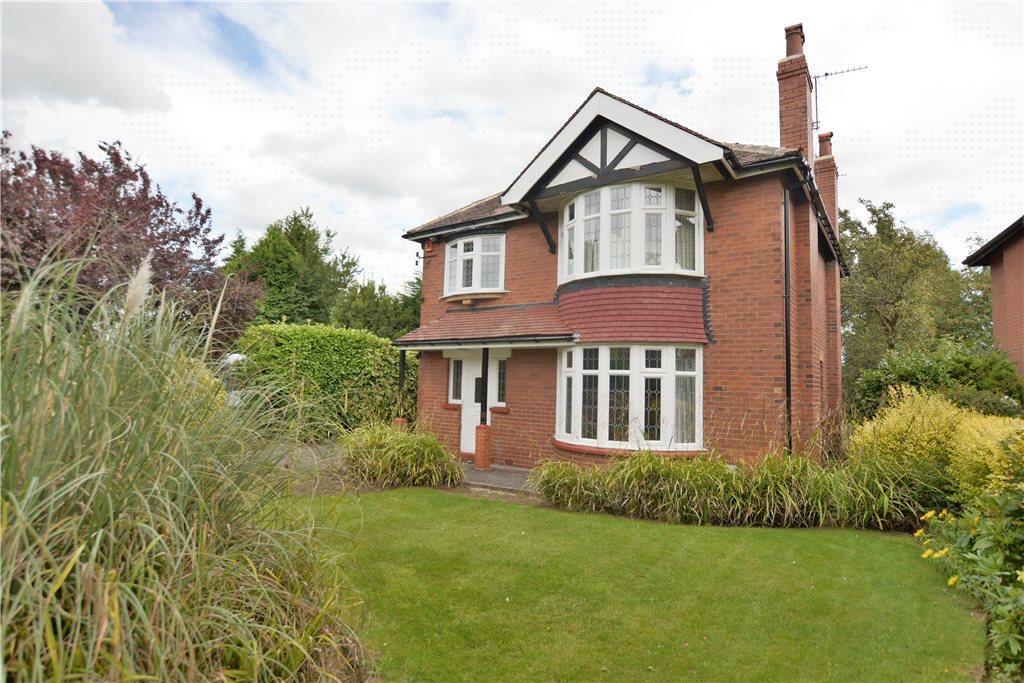 4 Bedrooms Detached House for sale in Sandhill Oval, Leeds, West Yorkshire