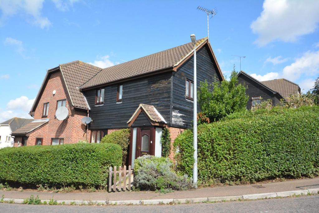 3 Bedrooms Semi Detached House for sale in Megs Way, Braintree, Essex, CM7