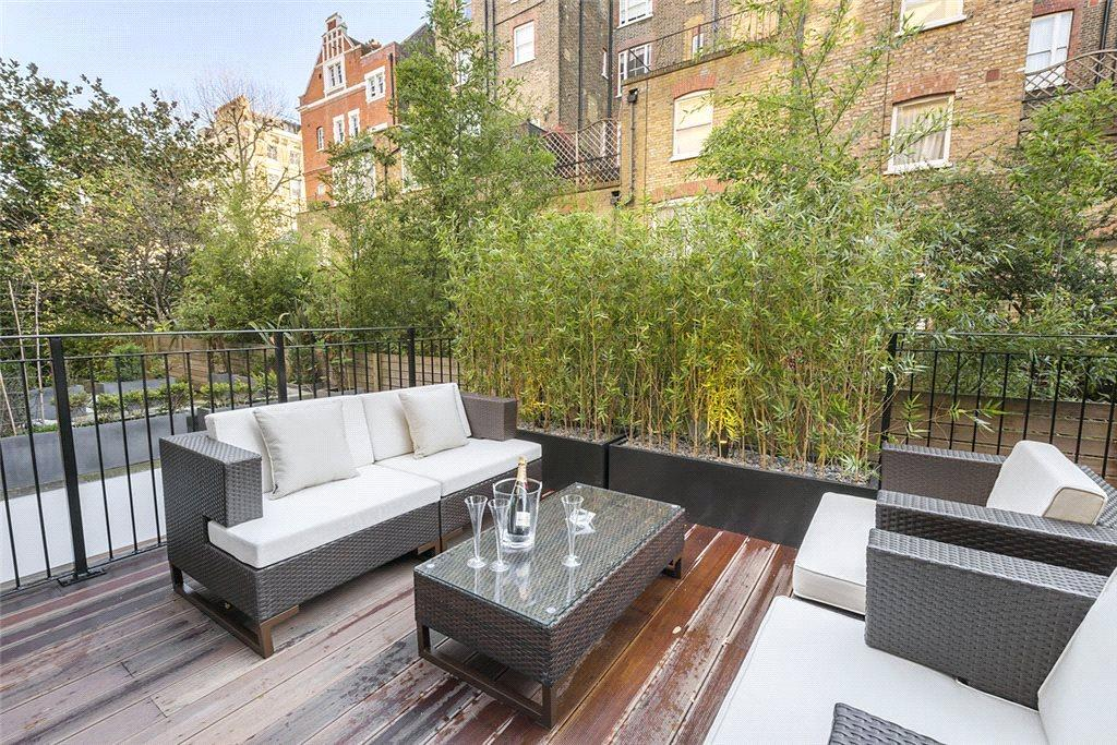 2 Bedrooms Flat for sale in Courtfield Gardens, South Kensington, London