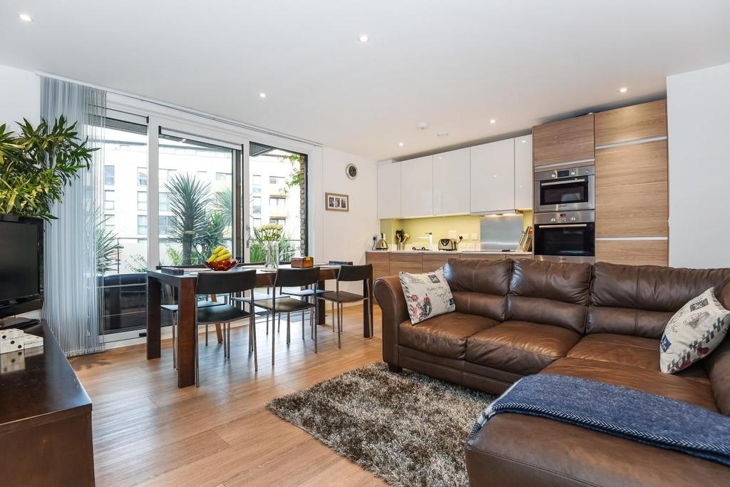 2 Bedrooms Flat for sale in Seafarer Way, Surrey Quays