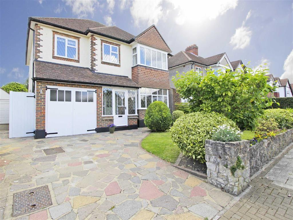 5 Bedrooms Detached House for sale in Courtlands Avenue, Hayes, Kent