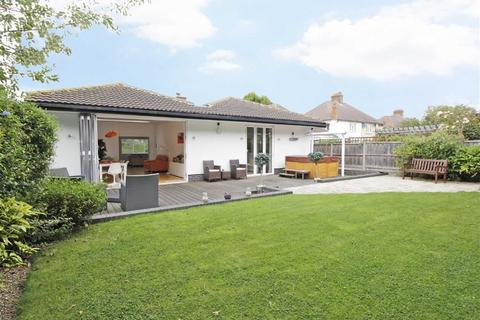 3 bedroom detached bungalow for sale - Kechill Gardens, Hayes, Kent