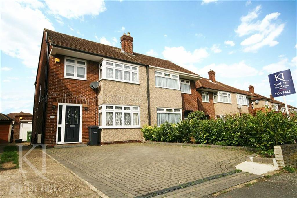 3 Bedrooms Semi Detached House for sale in Long Moor, Cheshunt