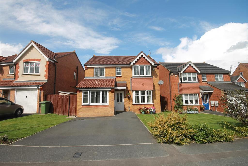 4 Bedrooms Detached House for sale in Trenholme Close, Ingleby Barwick, Stockton-On-Tees