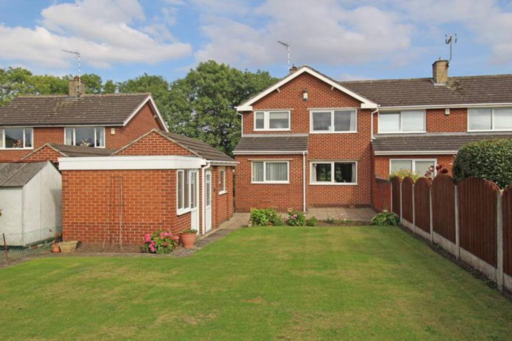 3 Bedrooms Semi Detached House for sale in 6 Grange Close
