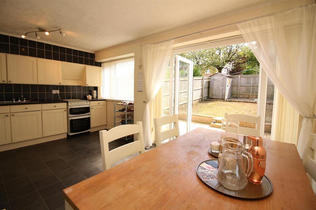 3 Bedrooms Town House for sale in Hazeldene Avenue, Kenton, Newcastle