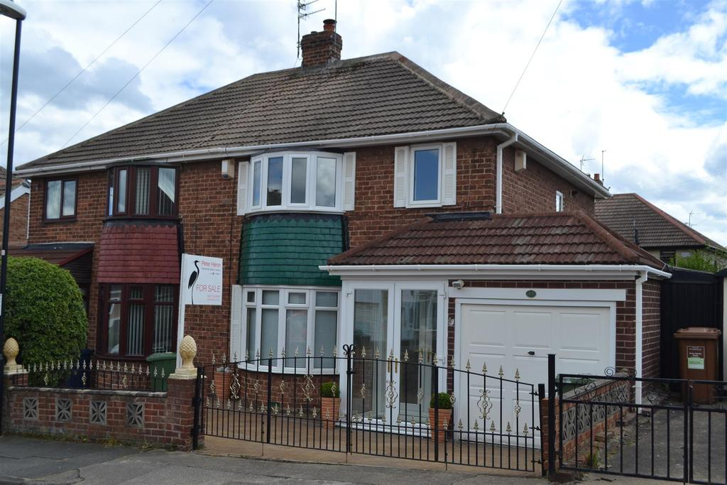 3 Bedrooms Semi Detached House for sale in Bampton Avenue, Sunderland