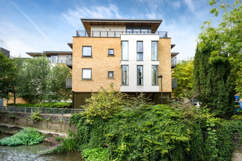 2 Bedrooms Apartment Flat for sale in Empress Court, Woodin's Way, Oxford, Oxfordshire