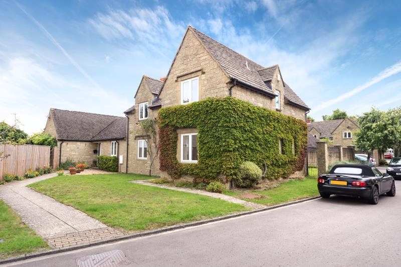 4 Bedrooms Semi Detached House for sale in Hurst Lane, Freeland, Witney, Oxfordshire