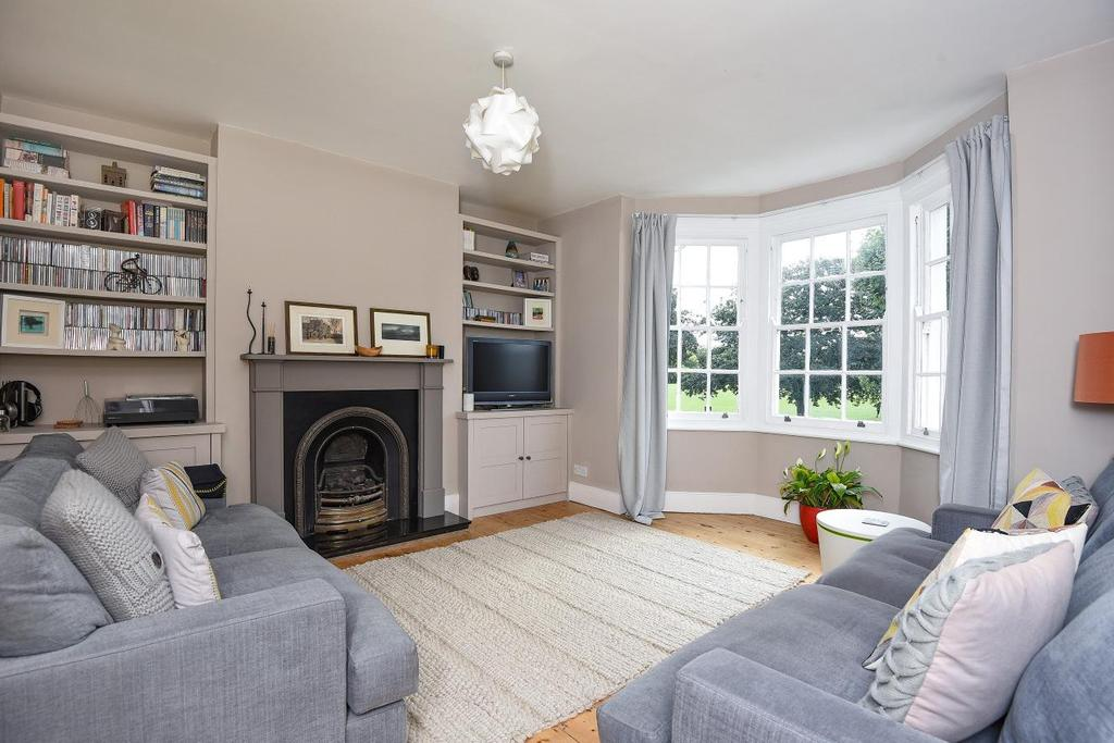 4 Bedrooms Maisonette Flat for sale in Burntwood Lane, Earlsfield