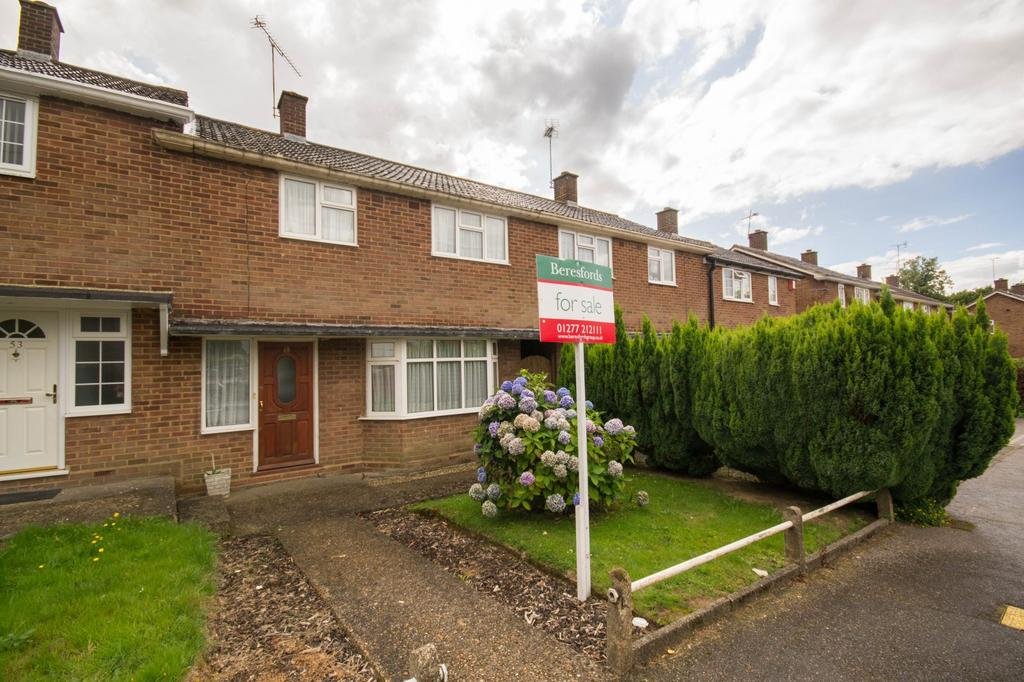 3 Bedrooms Terraced House for sale in Boundary Drive, Hutton, Brentwood, Essex, CM13