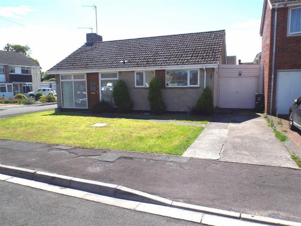 2 Bedrooms Detached Bungalow for sale in Adams Close, Highbridge