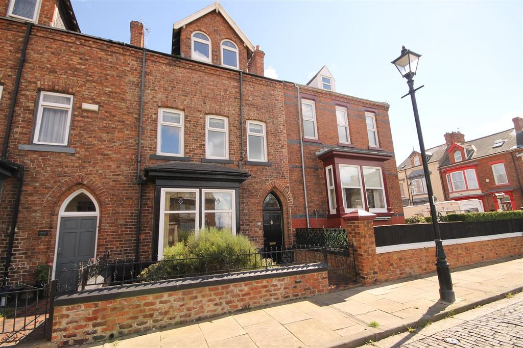 4 Bedrooms Terraced House for sale in Beaconsfield Square, Headland, Hartlepool