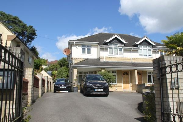 4 Bedrooms Semi Detached House for sale in Queens Park Avenue, Queens Park, Bournemouth