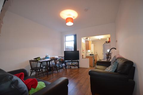 4 bedroom house to rent - Lovely 4 Double Bedroom Student House, Milner Road, Selly Oak, Academic Year 2017-2018